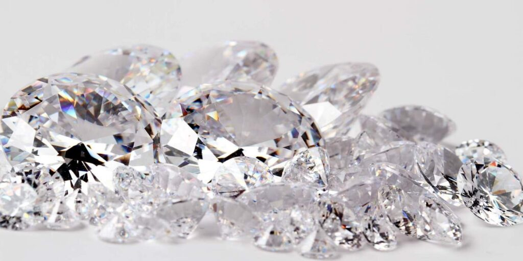Diamonds-Hole-Slider-e1443641336911
